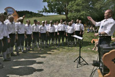 Die Begrfinken zum Tag des Umgebindehausses an der SBB-Hütte in Saupsdorf, am 27. Mai 2018