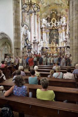 Zlatà Koruna: Singen in der Klosterkirche