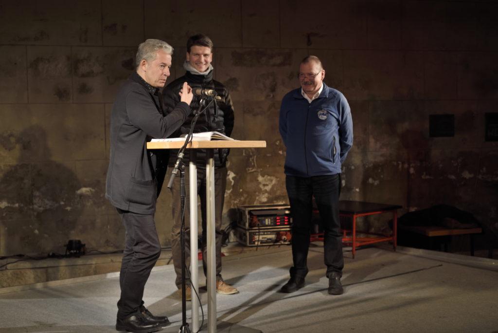 """Dr. Peter Ufer vernimmt unsere Chorleiter, Buchvorstellung """"100 Jahre Bergfinken"""" am 16.01.2020 im Dresdener Bärenzwinger"""